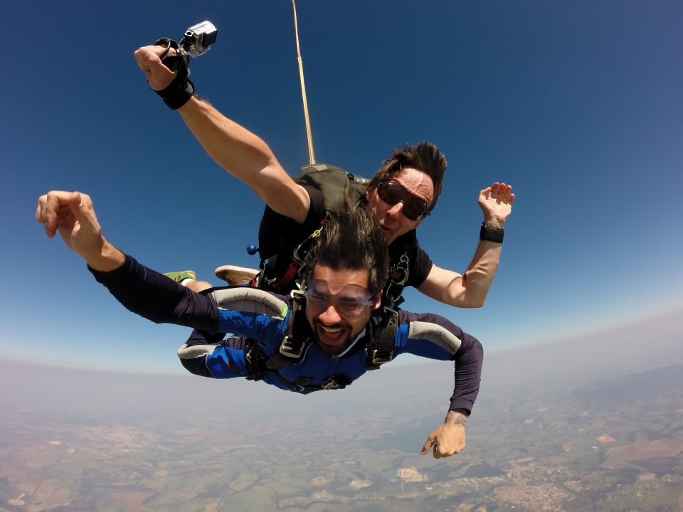 Saut en parachute tamdem