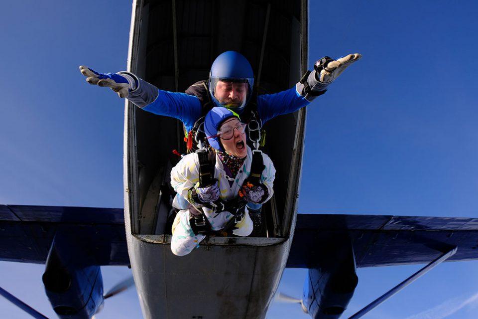 Combien coûte un saut en parachute