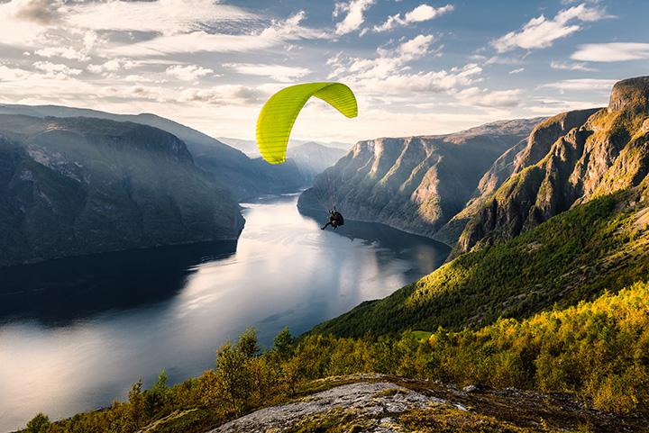Vol en parapente à la montagne
